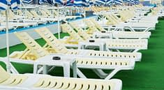 Sunbeds Pool Yellow Blue Rich  - Engin_Akyurt / Pixabay